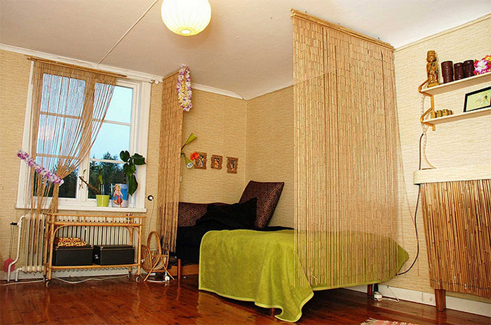 Бамбуковые обои в спальне в эко-стиле