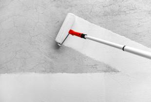Как правильно выполнить грунтовку стен перед поклейкой обоев?