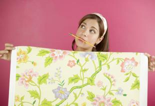 Как правильно клеить флизелиновые обои на стены?
