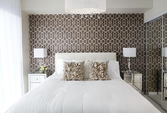 Обои для спальни в бело-коричневых тонах