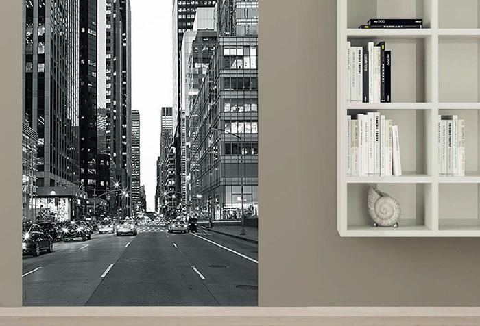 Черно-белые фотообои на бежевой стене