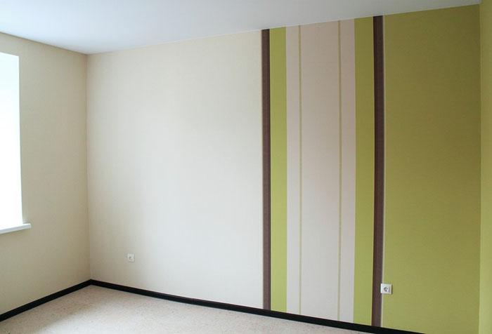 Окрашенные полосками флизелиновые обои