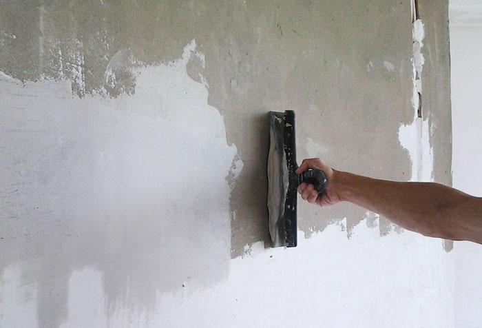 Предварительная обработка стен под обои