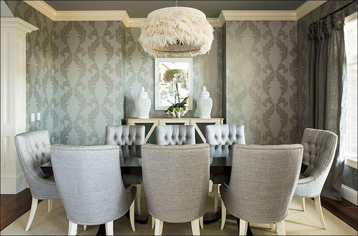 Классический интерьер столовой в сером цвете