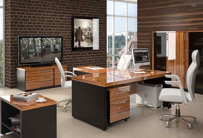 Обои коричневого цвета в рабочем кабинете