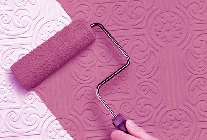 Покраска обоев в лиловый цвет