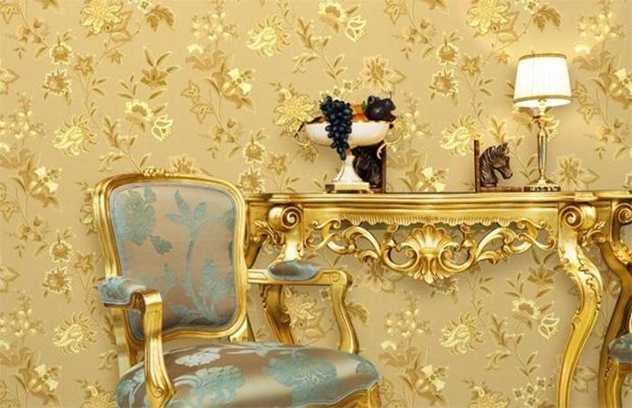 Обои с шелкографическим узором в дворцовом стиле