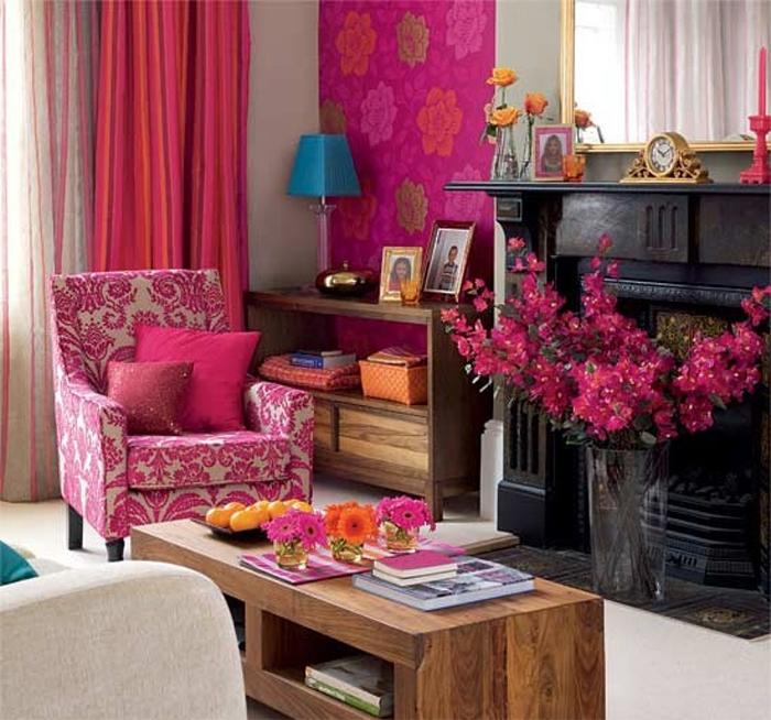 Эклектика в интерьере с розовыми обоями
