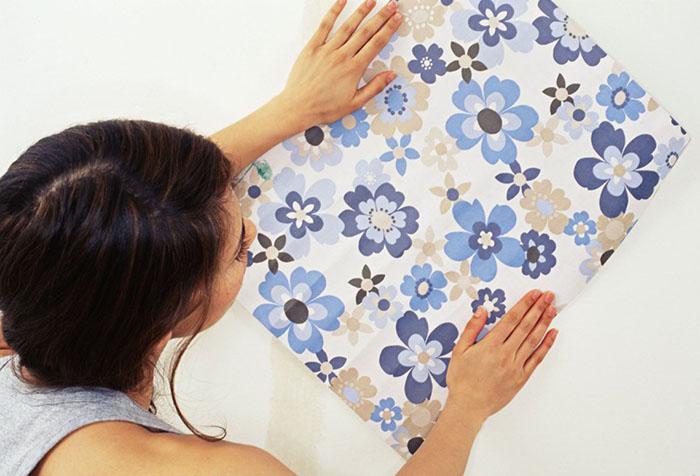 Примерка обоев в цветочек
