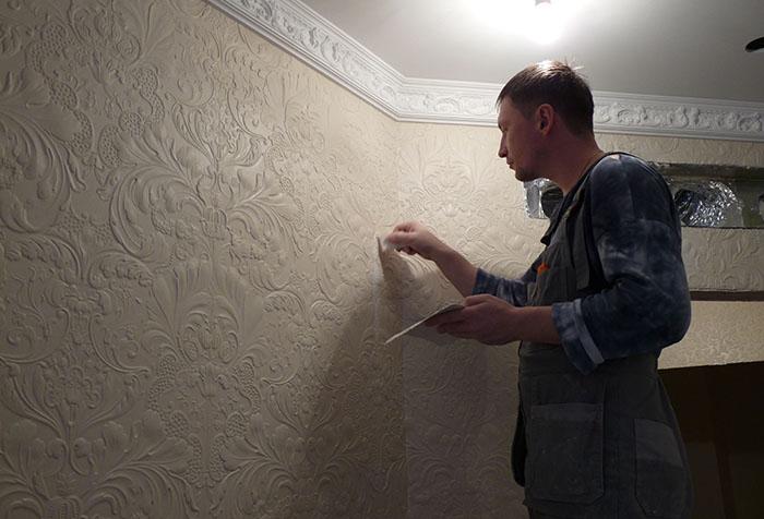 Декорирование стены линкрустом