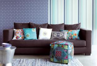 Как сочетать в интерьере обои разных цветов, принтов и текстур?