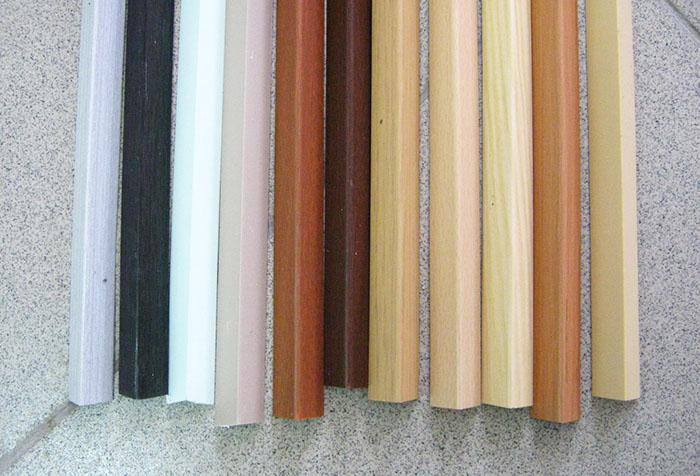 Пластиковые уголки с различным покрытием