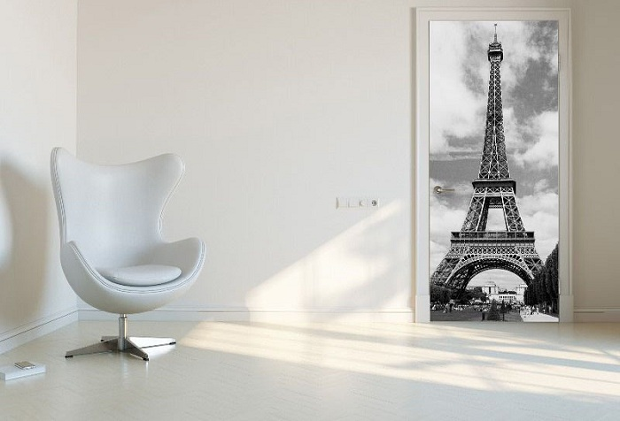 обои на стене с изображением эйфелевой башни
