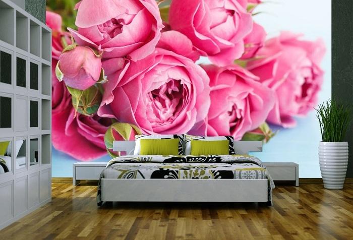 3d обои в гостиной с изображением красных роз