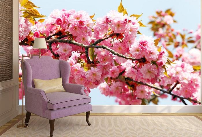 обои с изображением цветов в гостиной