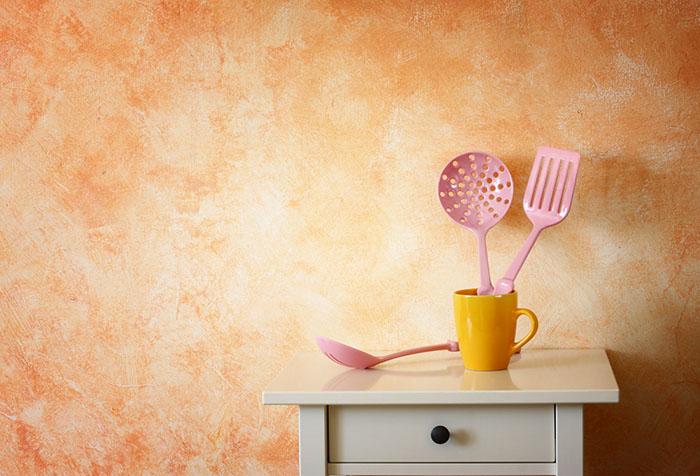 Оранжевые обои на кухню