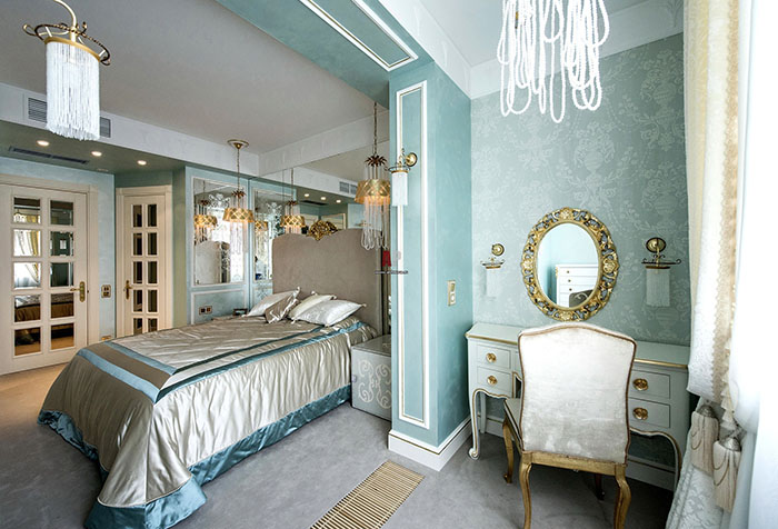 Светлые бирюзовые обои в спальне