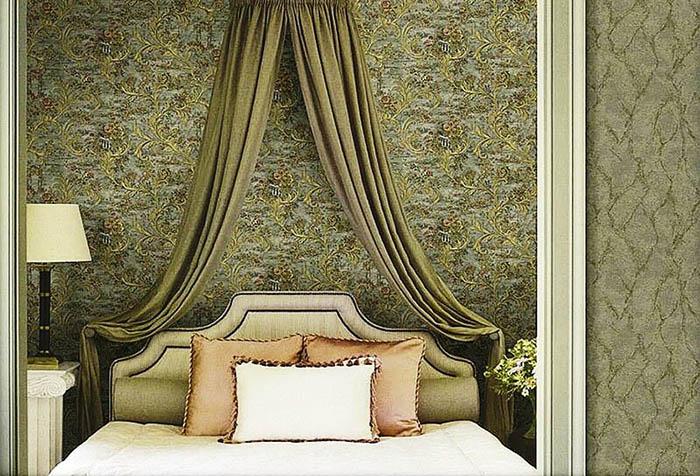 Зеленые итальянские обои Decori & Decori в спальне