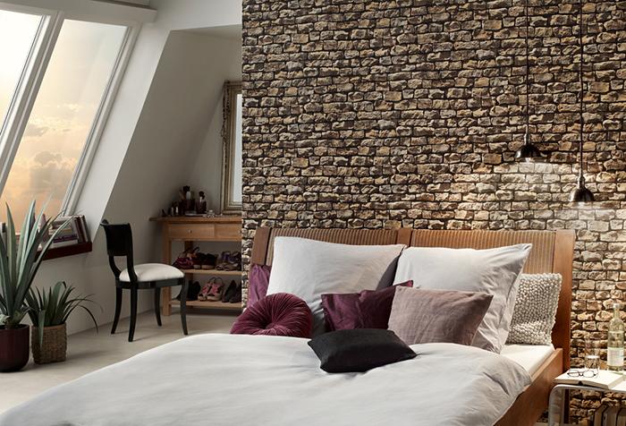 Имитация камня в интерьере спальни