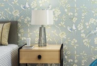 Обои для стен с изображением птиц и цветов