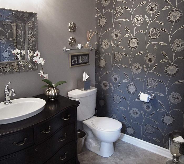 Водоотталкивающие обои в ванной комнате