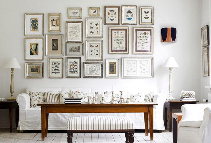 Белая гостиная в стиле ретро