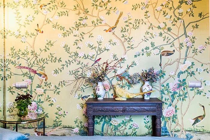 Обои с птицами и цветами - модный тренд