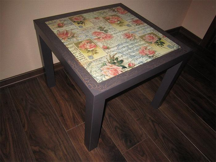Обеденный стол сделанный в технике декупаж