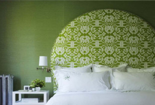 Идеи интерьера с зелеными обоями