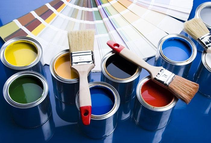 Выбор краски для обоев