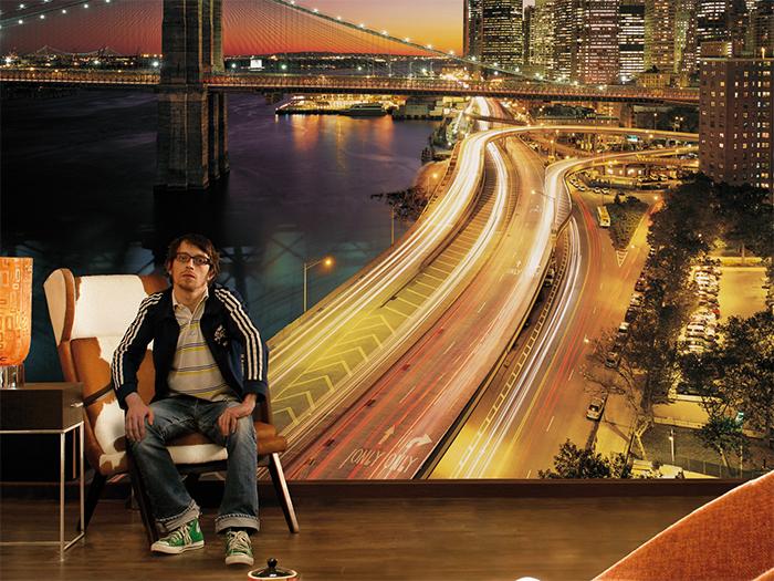 Изображение ночного города на фотообоях в комнате подростка