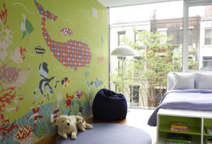 Как выбрать обои для комнаты девочки с учетом возраста ребенка?