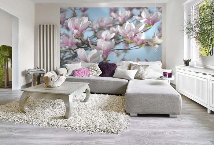 Цветы на фотообоях в зале
