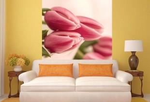 Варианты использования фотообоев с тюльпанами в интерьере