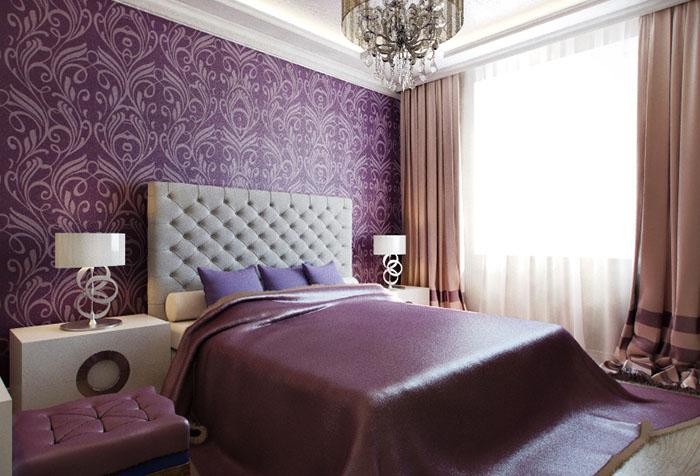 Спальня с фиолетовыми обоями